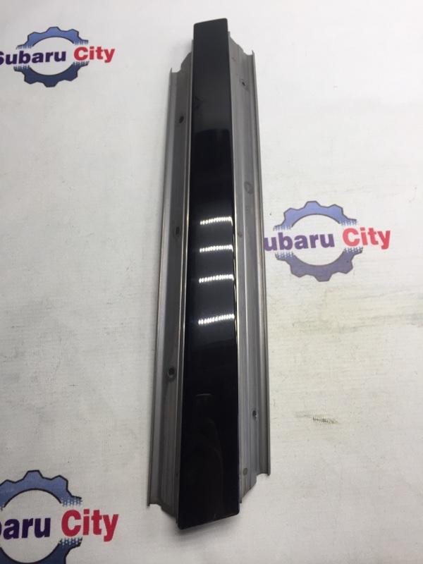 Накладка на стойку наружная Subaru Legacy BL EJ20 2005 левая (б/у)