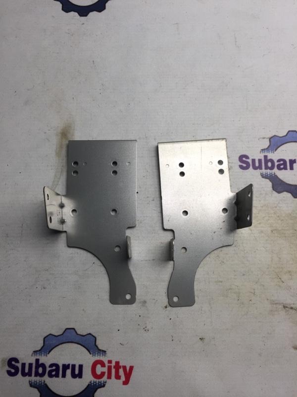 Крепление магнитофона Subaru Legacy BL EJ20 2005 (б/у)