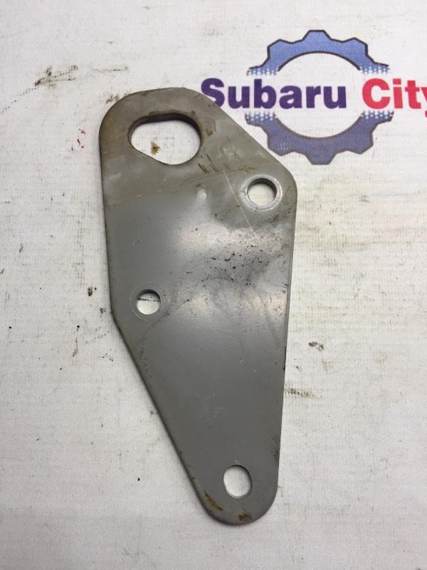 Крюк буксировочный Subaru Forester SF EJ20 2001 передний (б/у)