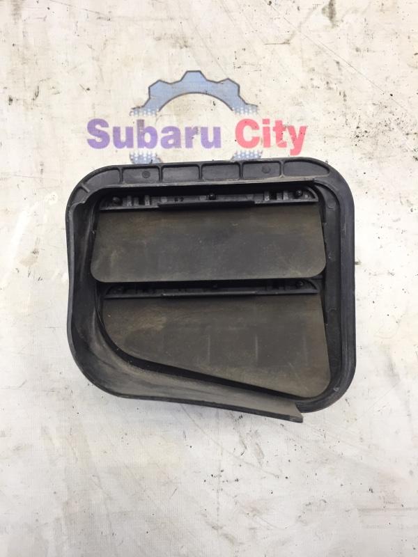 Клапан вентиляции багажника Subaru Forester SF EJ20 2001 правый (б/у)