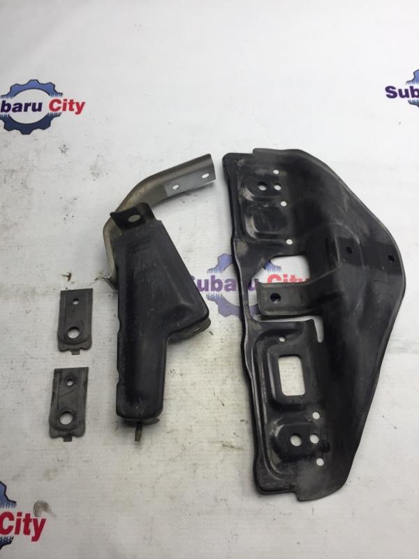 Крепление заднего бампера Subaru Forester SF EJ20 2001 (б/у)