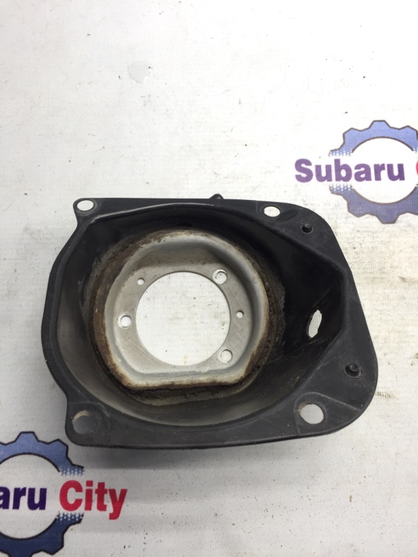 Пластик вокруг горловины топливного бака Subaru Legacy BE EJ20 1999 (б/у)