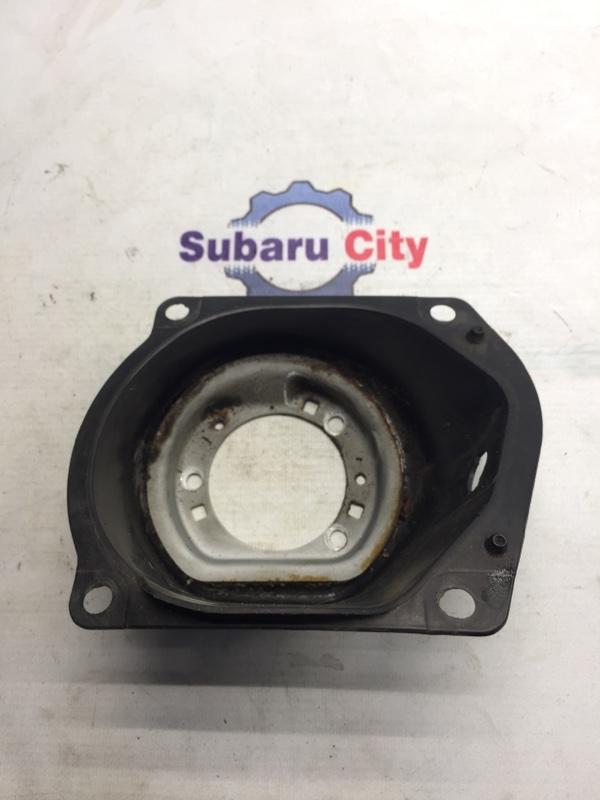 Пластик вокруг горловины топливного бака Subaru Legacy BL EJ20 2004 (б/у)