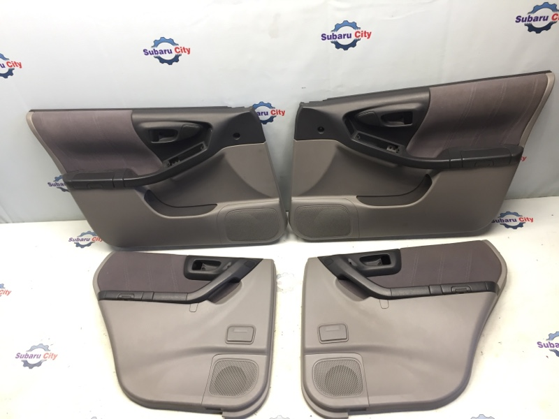 Обшивка двери Subaru Forester SF EJ20 2001 (б/у)