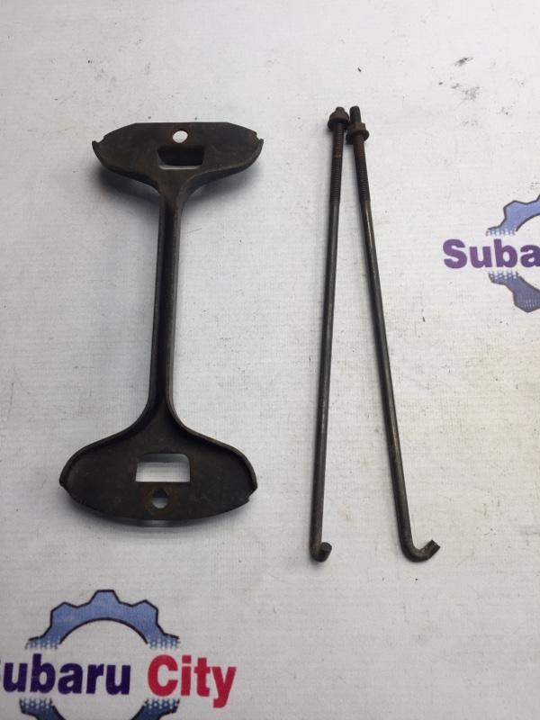 Крепление аккумулятора Subaru Forester SF EJ20 2001 (б/у)