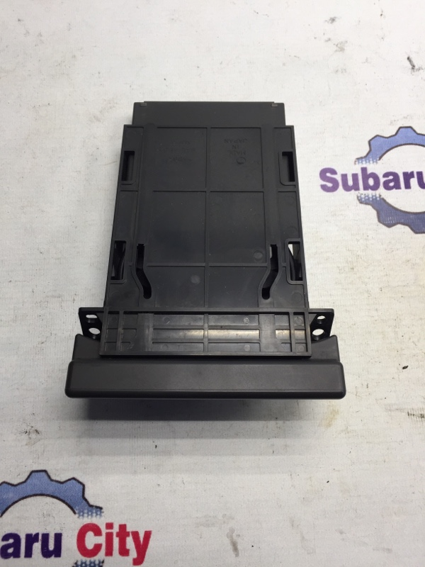 Подстаканник Subaru Forester SF EJ20 2001 (б/у)