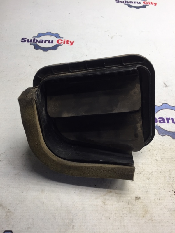Клапан вентиляции багажника Subaru Forester SF EJ20 2001 задний правый (б/у)
