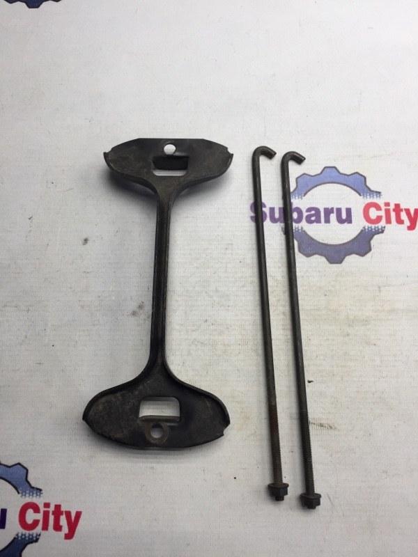 Крепление аккумулятора Subaru Legacy BE EJ20 2000 (б/у)