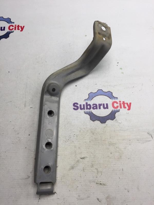 Крепление заднего бампера Subaru Forester SG EJ20 2004 правое (б/у)