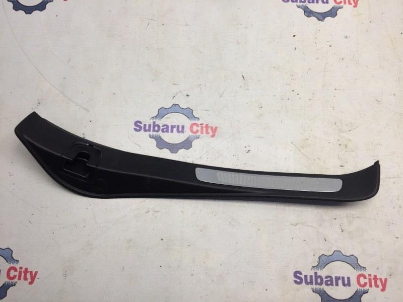 Накладка на порог салона Subaru Legacy BL EJ20 2004 задняя правая (б/у)