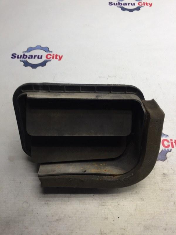 Клапан вентиляции багажника Subaru Forester SF EJ20J 1998 левый (б/у)