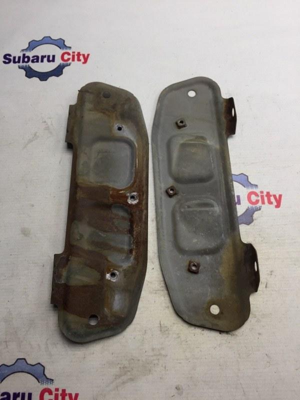 Крепление заднего бампера Subaru Forester SF EJ20J 1998 (б/у)