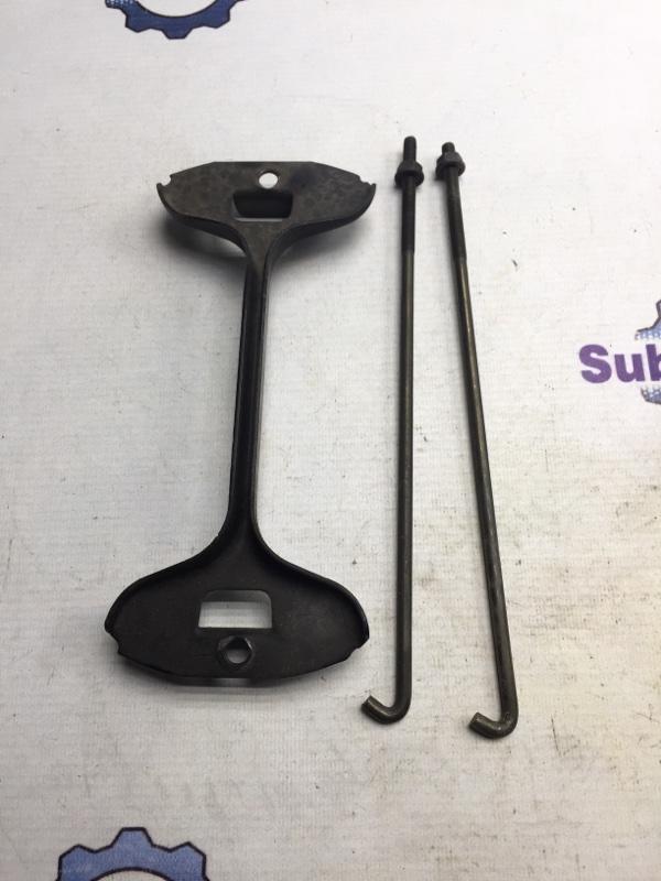 Крепление аккумулятора Subaru Legacy BE EJ20 1999 (б/у)