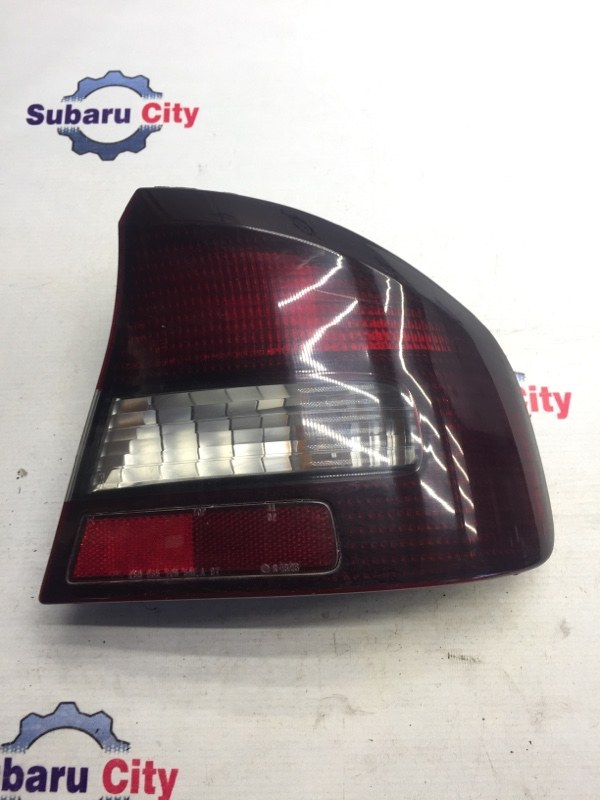 Стоп сигнал Subaru Legacy BE EJ20 1999 правый (б/у)
