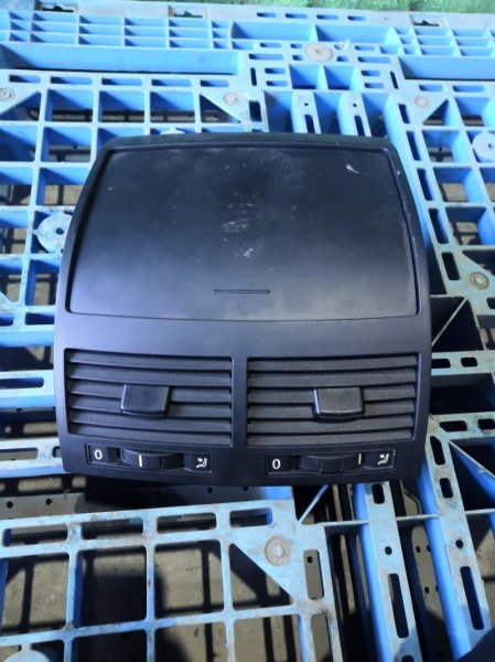 Бардачок Volkswagen Touareg 7LAXQA AXQ 2005/12 (б/у)
