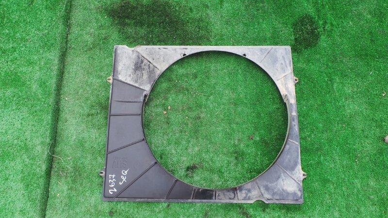 Диффузор радиатора Toyota Sequoia UCK45 2UZ 2001 (б/у)
