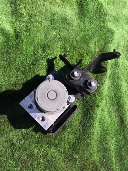Блок abs Infiniti Fx35 S51 VQ35HR 2010 (б/у)