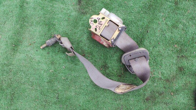 Ремень безопасности Toyota Sequoia UCK45 2UZ 2001 задний (б/у)