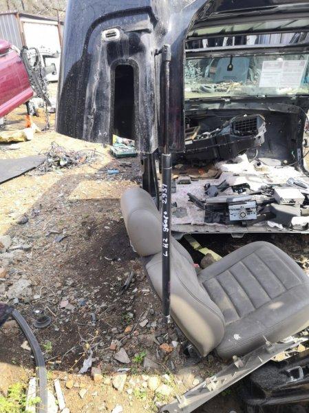 Амортизатор двери багажника Hummer H2 5GRGN23U24H122293 LQ4 2005 левый (б/у)