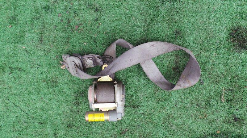 Ремень безопасности Toyota Sequoia UCK45 2UZ 2001 передний правый (б/у)