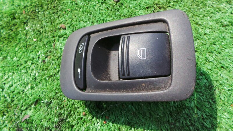 Кнопка стеклоподъемника Porsche Cayenne 955 M4850 2005 задняя правая (б/у)