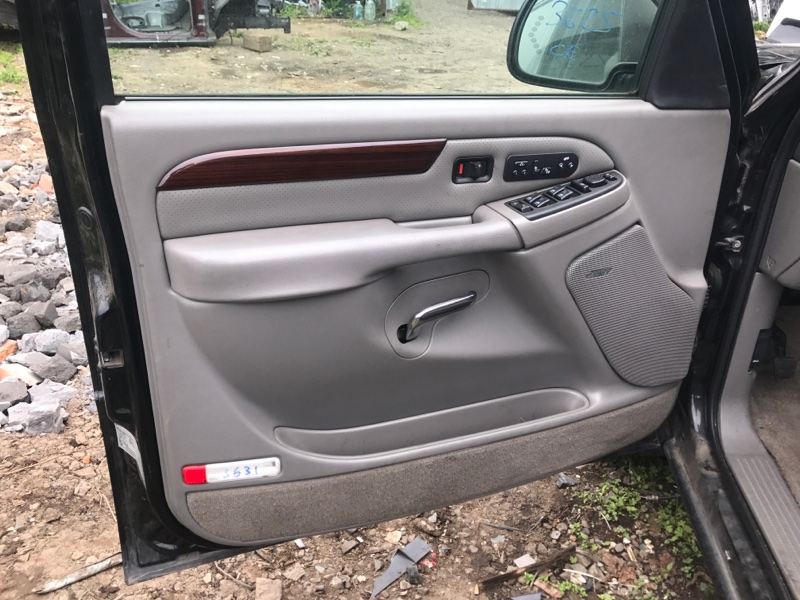 Обшивка дверей Cadillac Escalade GMT820 LQ9 2003 передняя левая (б/у)