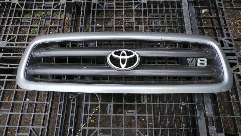 Решетка радиатора Toyota Sequoia UCK45 2UZ 2001 (б/у)