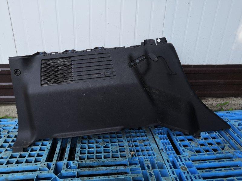 Обшивка багажника Hummer H3 L52 левая (б/у)