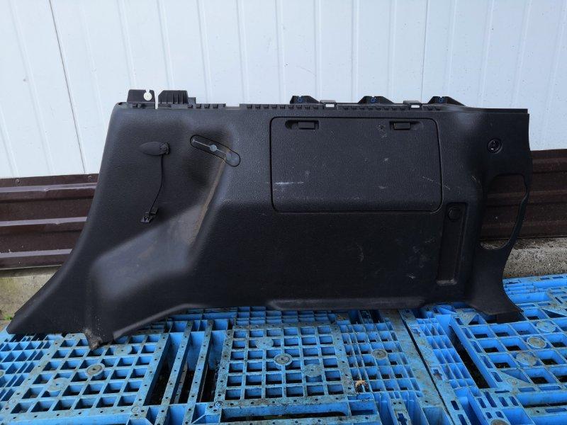 Обшивка багажника Hummer H3 L52 правая (б/у)