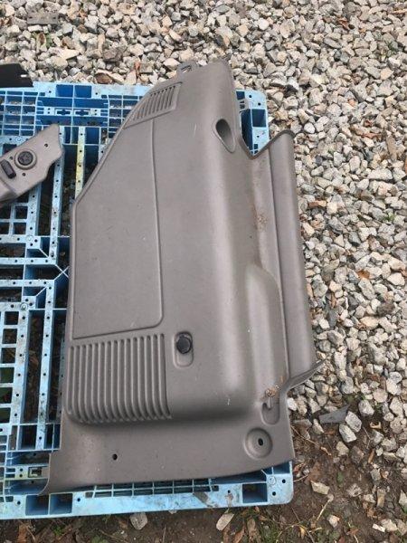 Обшивка багажника Cadillac Escalade GMT820 LQ9 2003 задняя правая (б/у)