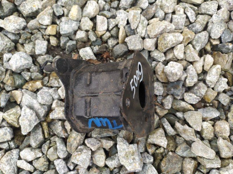 Крепление жесткости бампера Toyota Tundra GSK50 1URFE переднее правое (б/у)