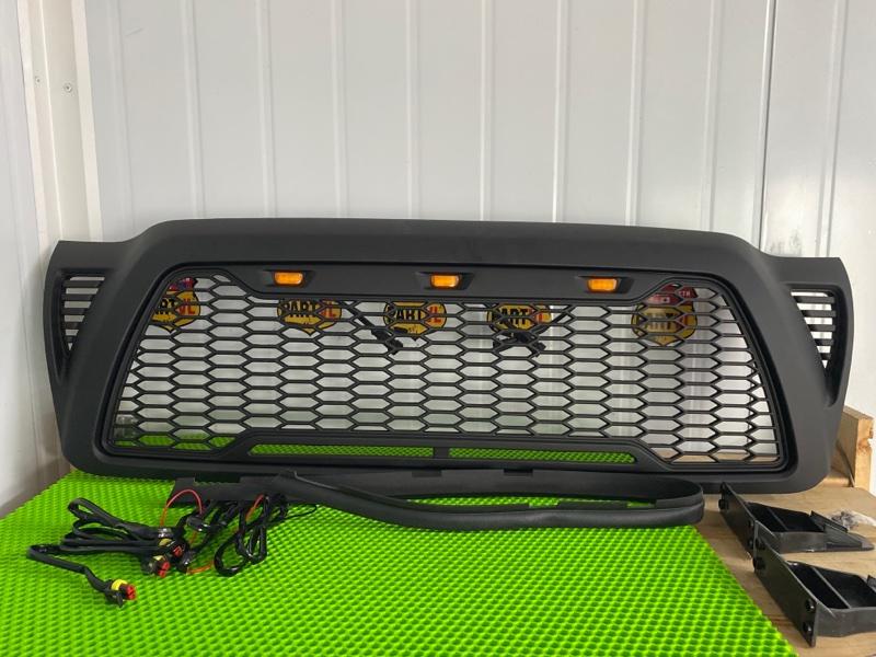 Решетка радиатора Toyota Tacoma GRN225