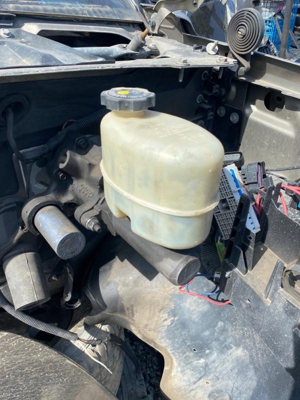 Главный тормозной цилиндр Cadillac Escalade GMT806 LQ9 2002 (б/у)