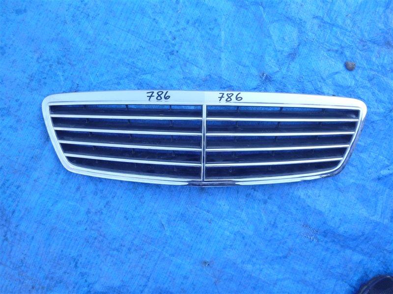 Решетка радиатора Mercedes C240 W203 112M26 2000 (б/у)