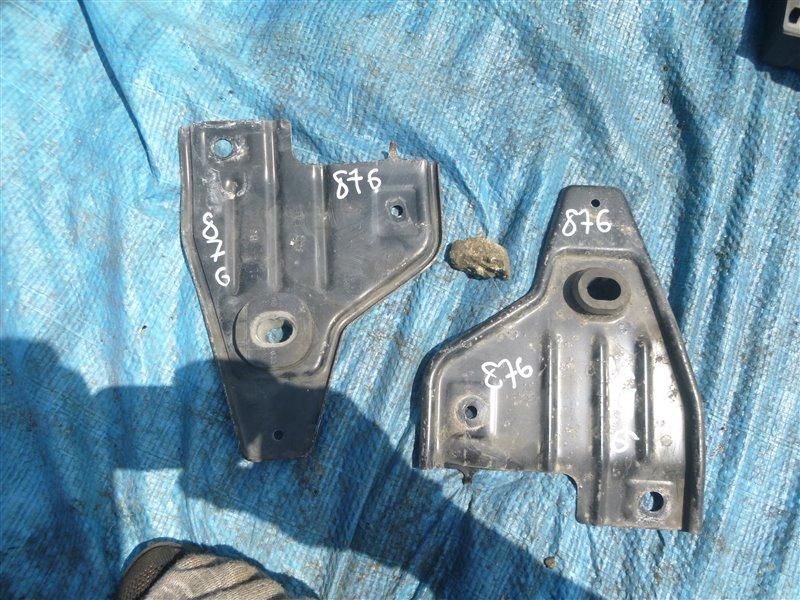Крепление радиатора Ford Lincoln Navigator 5.4 2004 (б/у)