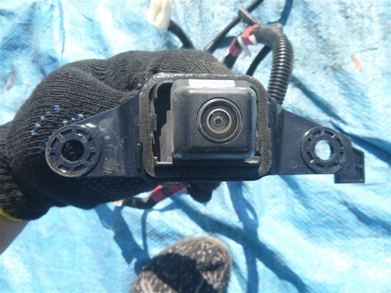Камера заднего вида Toyota Crown GRS200 2011 (б/у)