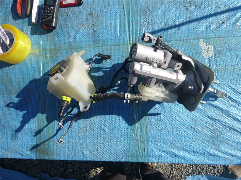 Главный тормозной цилиндр Lexus Ls460H USF40 1URFSE 2008 (б/у)