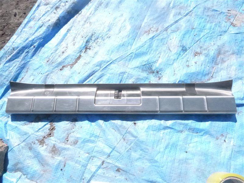 Накладка замка багажника Porsche Panamera M48.40 2010 (б/у)