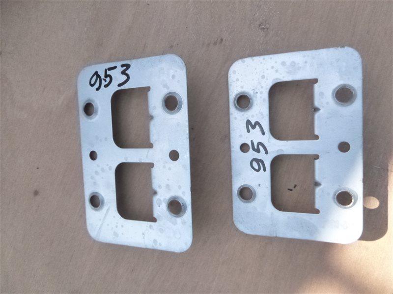 Крепление магнитолы Nissan Safari VRGY61 2002 (б/у)