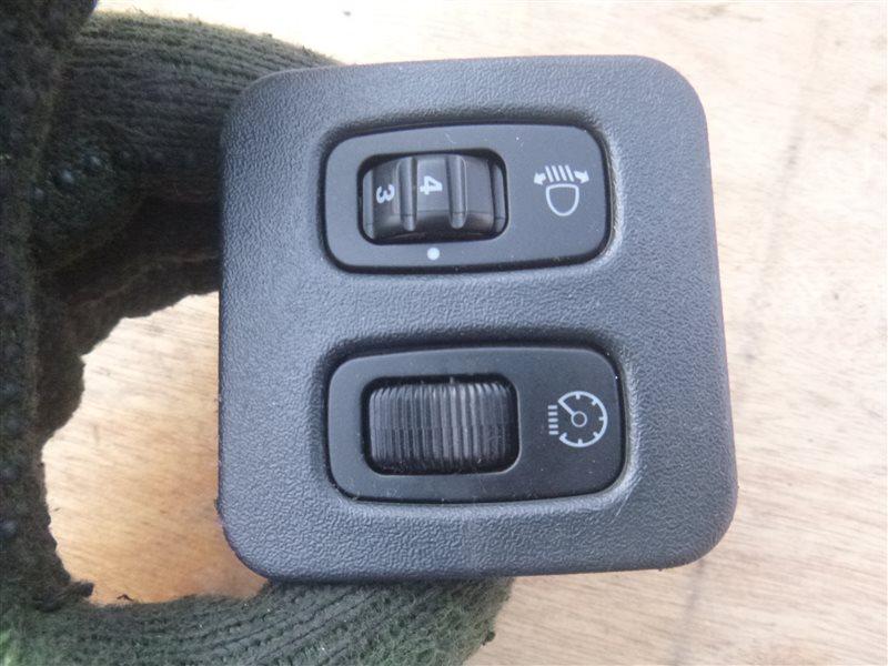 Кнопка корректора фар Mitsubishi Pajero H77W 6G74 2000 (б/у)