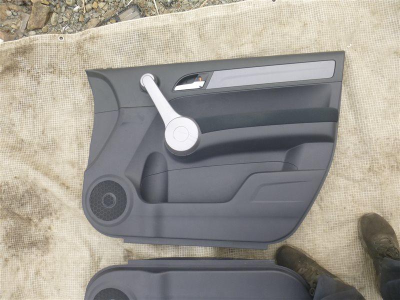 Обшивка двери Honda Cr-V RE4 2007 передняя правая (б/у)
