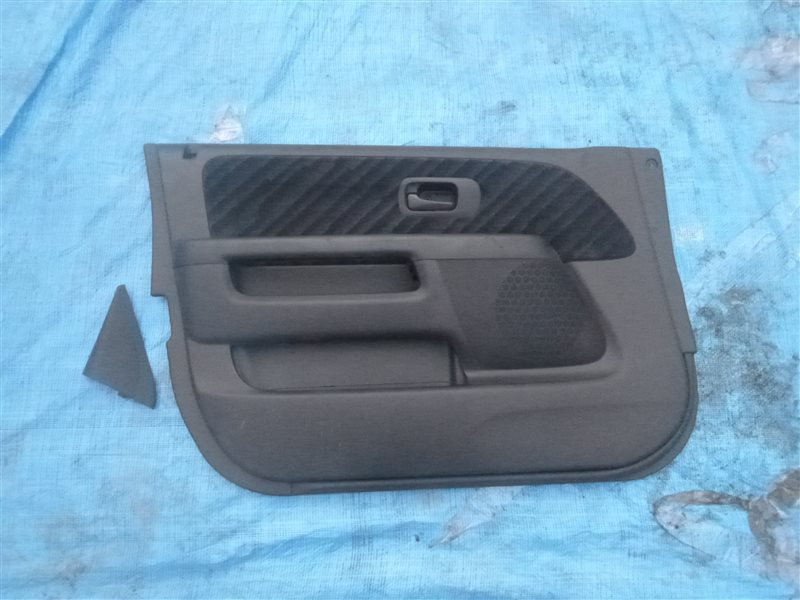 Обшивка двери Honda Cr-V RD4 K20A передняя левая (б/у)