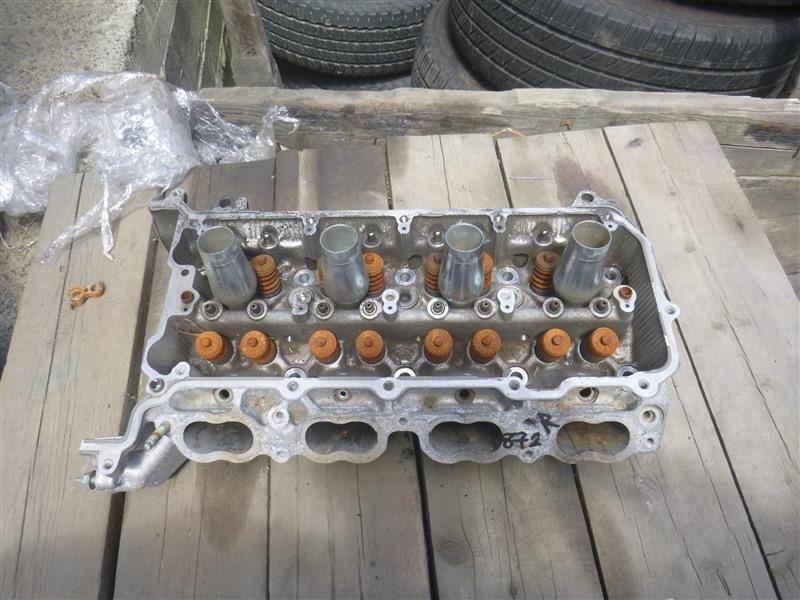Головка блока цилиндров Lexus Ls600H UVF45 2UR-FSE 2011 правая (б/у)