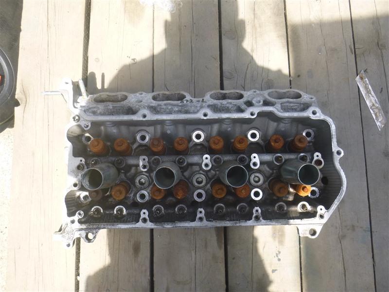 Головка блока цилиндров Lexus Ls600H UVF45 2UR-FSE 2011 левая (б/у)