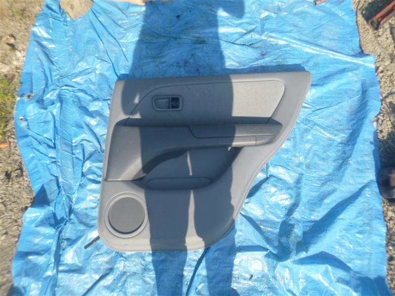 Обшивка двери Toyota Harrier ACU10 1999 задняя правая (б/у)