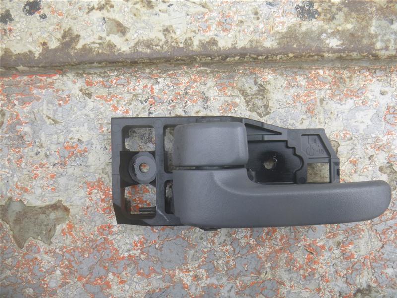 Ручка двери внутренняя Toyota Harrier ACU10 1999 левая (б/у)