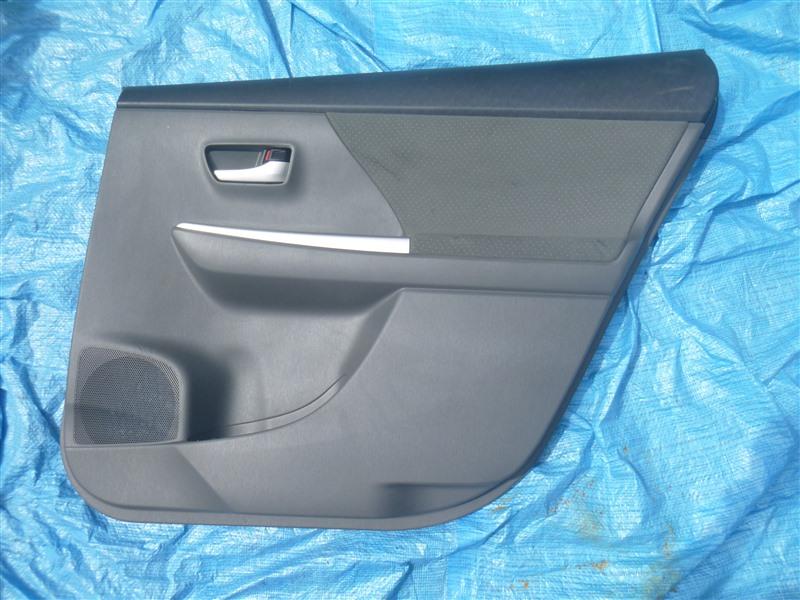 Обшивка двери Toyota Prius Alpha ZVW41 2ZRFXE 2011 задняя правая (б/у)