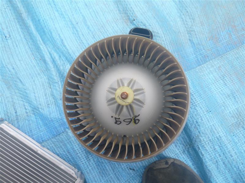 Мотор печки Toyota Prius Alpha NZT260 2010 (б/у)