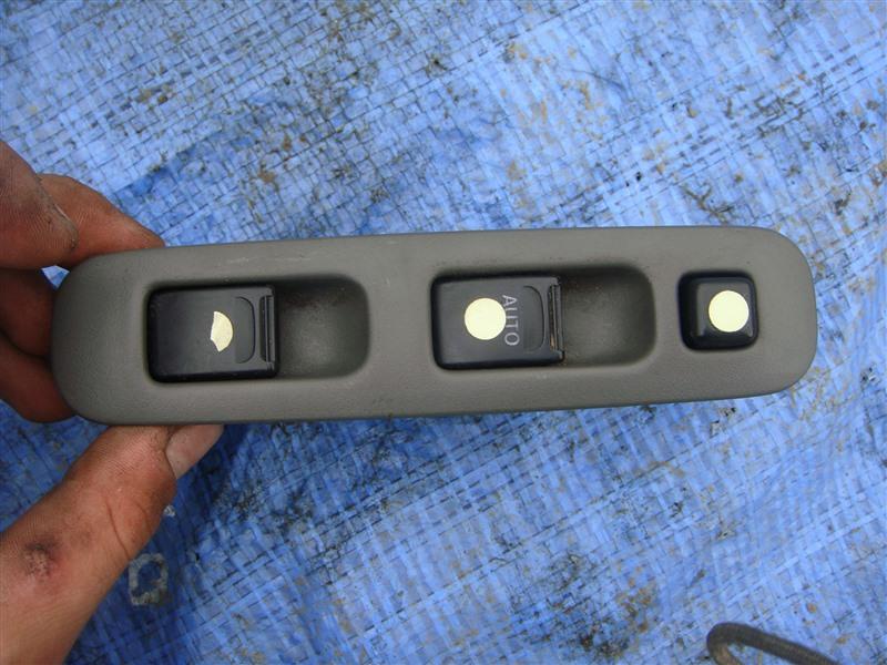 Блок управления стеклоподъемниками Suzuki Jimny JB23W 1999 правый (б/у)