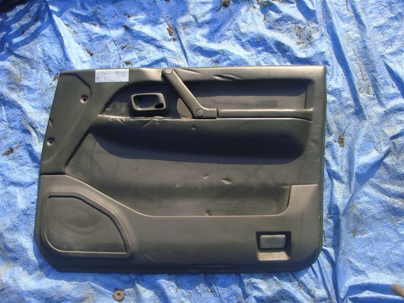 Обшивка двери Mitsubishi Pajero V21W 1996 правая (б/у)
